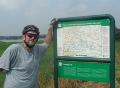 Ingen GPS eller cykelkort? Så er der ʺknooppuntenʺ/No gps or bike map? Then thereʹs ʺknooppuntenʺ