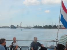 En havnerundtfart i en lille del af Europas største havn/A cruise in Europeʹs largest harbour