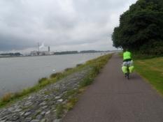 De sidste kilometer langs Rhinen bød på modvind og regn/The last miles along the Rhine with headwind