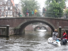Den smukke Reguliersgracht med syv broer i rap/Beautiful Reguliersgracht with seven bridges in a row