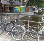 Hollænderne smider deres cykler alle vegne/The Dutch drop their bikes everywhere