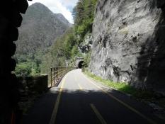 Pontebbana-Radweg vor Dogna von Tunnel zu Tunnel
