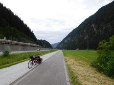 vorm Brenner: Radweg alte Brennerbahn