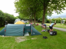 Hall: Schwimmbad-Camping