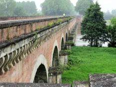 Canal bridge across the Tarn east of Moissac