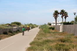 Bike path in the dunes east of Marseillan-Plage