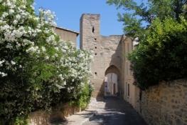 Barbentane, la porte du Séquier