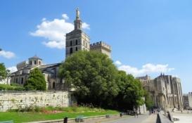 Avignon, Cathédrale Notre-Dame des Doms and Palais des Papes