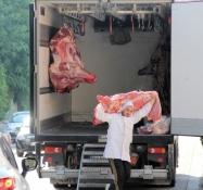 Châteaurenard, a butcher gets his meat delivered