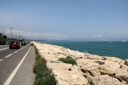 Bike path between Antibes and Nice