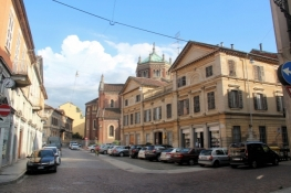 Vercelli, Via Galileo Ferraris
