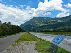 Rhein bei Triesen (Liechtenstein)