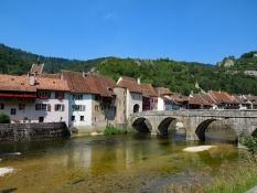 St. Ursanne: Doubsbrücke und Porte Saint-Jean