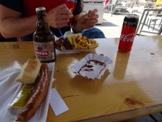 En ydmyg frokost på St. Paulis havnekaj/A humble lunch on St. Pauliʹs wharf