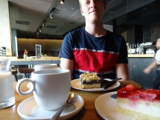 Kaffe og kage i Filharmoniens café/Coffee and cakes at the Philharmonyʹs café