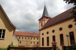 Bad König, Pfarrkirche und Altes Schloss