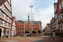 Hofgeismar, Marktplatz mit Rathaus