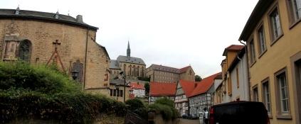 Warburg, Blick aus der Altstadt auf St. Maria in vinea und Gymnasium Marianum