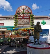 Alès: Markthalle