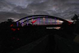 Illuminierte Oise-Brücke