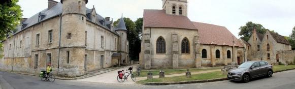 Théméricourt, Schloss und Kirche