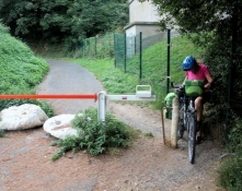 Hindernis auf dem Fahrradweg