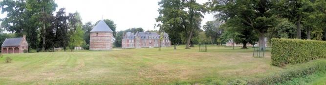 Janville, Schloss
