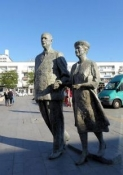 Calais, Denkmal Yvonne und Charles De Gaulle