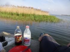Maltøl (ʺkvasʺ) og mysli med mælk på havnen i Katy Rybackie/Malt beer and muesli with milk on a quay
