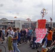 Demo for flygtninges rettigheder i Berlins centrum/Demo for refugeesʹ rights in the city centre