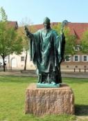 Hildesheim, Bernward-Denkmal