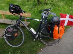 Læsset til tre dages cykelweekend/Equipped for a three day bike weekend