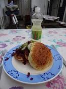 Frokost i Fynshav-grillen med flæskestegssandwich/Lunch at Fynshav grill with a pork sandwich