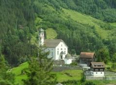 Blick vom Zug nach Göschenen im Reusstal