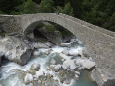 A bridge for walkers at the beginning of the Schoellenen gorge