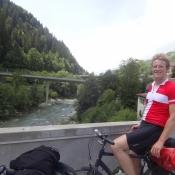 Auf dieser Brücke kreuzten wir zum ersten Mal den Vorderrhein