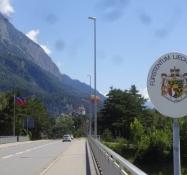 Einfahrt in das Fürstentum Liechtenstein, eines der kleinsten Länder der Erde