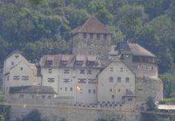 Noch ein Blick auf das Fürstenschloss aus einigem Abstand