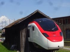 Sehr eigenartige ʺZugausfahrtʺ in Romanshorn, Schweiz