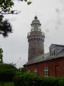 Der Leuchtturm von Skjoldnäs auf der westlichen Landzunge von Ärö ist ein schönes Bauwerk