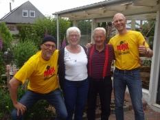 Meine Brüder treffen unsere Schwester und ihren Freund in dessen Haus in Söby