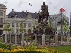 Das Reiterstandbild von König Christian V vor der französichen Botschaft