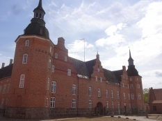 On the manor of Holsteinborg H.C. Andersen was a common guest