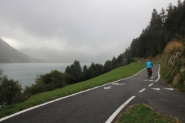 On the bike path on the southern bank of the Reschensee