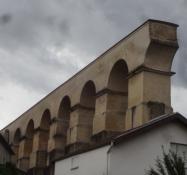 Der römische Aquädukt Divodurum überspannte das Moseltal mit über 100 Bögen