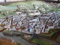 Drinnen sahen wir dieses tolle Modell der Stadt aus dem 17. Jh.