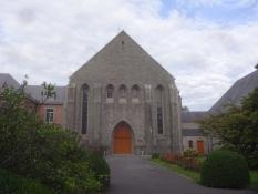 Ganz zuletzt schauten wir uns auch kurz das Kloster Notre Dame de Scourmont, hier die Kirche, an.