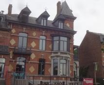 Die Jugendherberge von Namur befindet sich in einem schönen Gebäude. Unser Zimmer war oben rechts