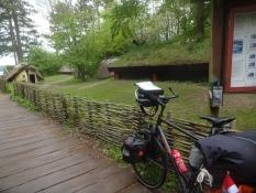 Das Wikingerdorf in Frederikssund har mehrere Häuser aus der Wikingerzeit nachgebaut