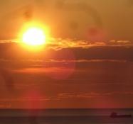 Schöner Sonnenuntergang vom Leuchtturm aus gesehen